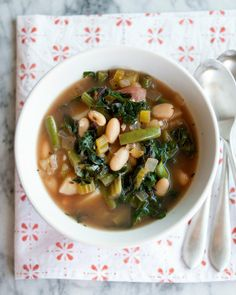 10 Vegetarian Soups to Warm You Up