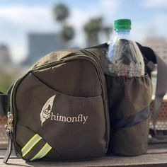 Shimonfly waist pack with bottle holder it's what you need for a day walking👟. Not bulky at all, big enough for things you need while…