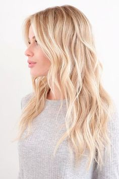 Warm Blonde Hair Shades Perfect for Brightening Your Locks This Spring - Platinum Blonde Hair Blonde Hair Shades, Blonde Hair Looks, Light Blonde Hair, Neutral Blonde Hair, Perfect Blonde Hair, Ash Blonde, Makeup For Blonde Hair, Blonde Hair For Winter, Blonde Hair Colour
