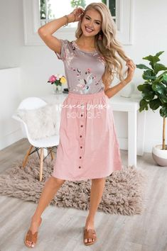 c0fa53a25587 Pink ButtonDown Detail Skirt Pink Skirt Outfits, Modest Summer Outfits,  Cute Outfits, Stylish