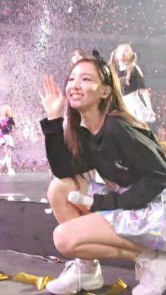 Kpop Girl Groups, Korean Girl Groups, Kpop Girls, Choreography Videos, Dance Videos, Twice Video, Fandom Kpop, Dance Kpop, Kpop Girl Bands