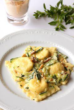Ravioli alla ricotta di bufala con zucchine, prosciutto crudo e mascarpone | La Cuoca Dentro