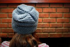 free slouchy beanie pattern. SUPER easy, great for a beginner.