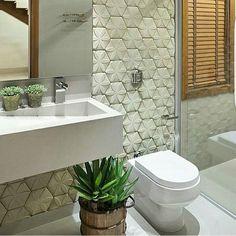 Inspiração de banheiro. ❤️Confiram as inspirações do instagram @diacriativo 👈🏼 #decoracao #banheiros #lavabos #reforma #construcao #arquitetura #design #homedecor #arq #interiores #interiordesign #designdeinteriores #decoracao #decor #projetos