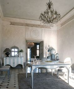 dining room, Traditional Dining Room Design Ideas With Fur Rug For Dining Room Interior Design Ideas With Chandelier For Dining Sets Design With White Dining Table Design With Dining Room Furniture Ideas: Amazing Traditional Dining Room for Surprising Interior Design