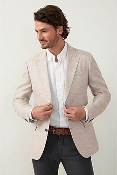 Mens Smart Outfits, Summer Outfits Men, Mens Summer Blazers, Blazers For Men, Beige Blazer Outfit, Linen Blazer, Mens Tan Jacket, Beach Formal, Business Casual Men
