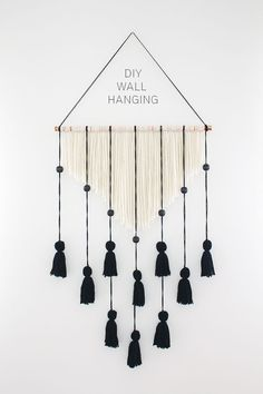 20 Yarn Wall Hanging Crafts is part of Wall hanging diy - Creating a Yarn Wall Hanging is actually very simple and the results are stunning! Easy DIY Craft Tutorial Ideas for Home Inexpensive Home Decor Wall Hanging Crafts, Yarn Wall Hanging, Diy Wall Decor, Diy Hanging, Easy Diy Room Decor, Hanging Decorations, Diy Wall Art, Diy Decorations For Home, Yarn Wall Art