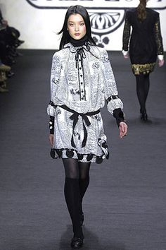 Anna Sui Fall 2007 Ready-to-Wear Collection Photos - Vogue