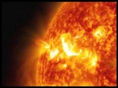 نیو یارک: سورج پر تحقیق آج سائنسدانوں کی توجہ کا سب سے بڑا مرکز ہے اور اس پرمعمولی تبدیلی بی انہیں چوکنا کردیتی ہے جب کہ جدید تحقیق میں امریکی خلائی ادارے ناسا نے سورج کی سطح پر 3 انتہائی چمکدار گولوں کو پھٹ کر نکلتے دیکھا گیا ہے جس کے زمین پر منفی اثرات مرتب ہو سکتے ہیں۔