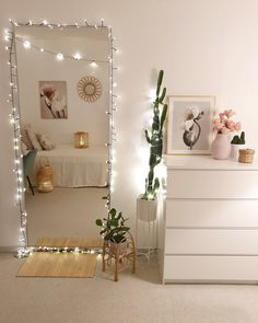 Beach Home Decor and home decor inspiration Bedroom Decor For Teen Girls, Room Ideas Bedroom, Girl Bedroom Designs, Teen Room Decor, Bedroom Inspo, Mirror For Bedroom, Tumblr Room Decor, Living Room Decor Ideas Apartment, Bedroom With Couch