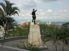 ESTATUA DE SEBASTIAN DE BELALCÁZAR, FUNDADOR DE SANTIAGO DE CALI.