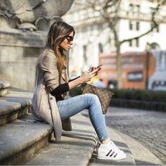 "@world_lifestyle_blog en Instagram: ""Good morning dear @milano_streetstyle  via @brookecarriehil ✔️ #stretstayle #perfectmorning #newday #inpiration#motivation"""