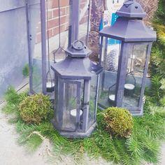 Mossbollar 😁. Enkelt och vackert. #jul #julpyssel #pyssel #gran #dekoration #tips #visomälskarjulen #granris #viivilla #trädgård #garden #pynt #tomte #santa #diy #inredning #interior #interiordesign #Christmas