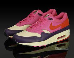 c19b639b5a88c 90 best sneekergeek images on Pinterest   Nike shoes, Fashion shoes ...