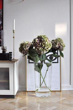 Home of debbie.nu hortensia svenskt tenn Olle Eksell kakaoögon klong oljelampa cylinervas