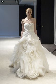 Vera Wang- this dress makes me want to get married all over again! <3
