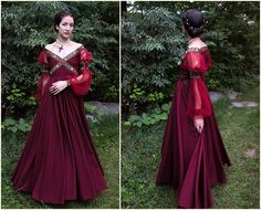 Renaissance Dress Historical Costume 1500 by OanaAndMariaHeller