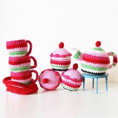 Crochet Tea Set With Cupcakes