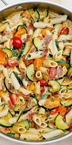 Creamy Summer Pasta with Prosciutto (bacon), Zucchini and Grape Tomatoes dinner pasta Creamy Prosciutto Pasta with Zucchini and Grape Tomatoes Zucchini Pasta Recipes, Bacon Zucchini, Zucchini Tomato, Zuchinni Pasta, Summer Pasta Recipes, Paleo Pasta, Chicken Zucchini Pasta, Summer Pasta Dishes, Penne Pasta Recipes