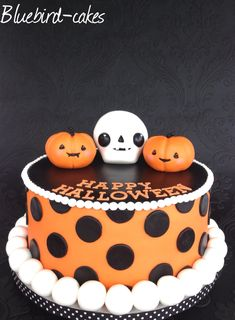 Happy Halloween cake from Bluebird-cakes . Zoe Smith www.bluebird-cakes.co.uk