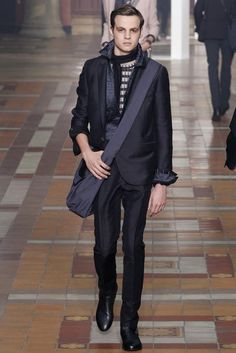 See all the Lanvin Spring/Summer 2015 photos on Vogue. Lanvin, Vogue Fashion, Fashion Show, Fashion Outfits, Paris Fashion, Runway Fashion, High Fashion, Vogue Paris, Spring Summer 2015