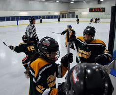 The #NHL is back, but hockey never left Havergal! We start the new year with a game against Lakefield on Wed., Jan. 9!