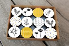Kitchen Knobs, Cupboard Knobs, Dresser Knobs, Rock Crafts, Clay Crafts, Clay Projects, Ceramic Painting, Ceramic Art, Black And White Dresser
