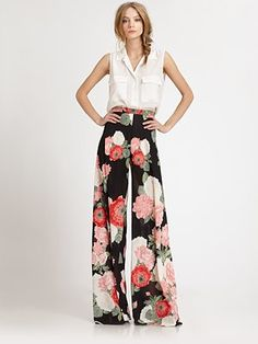 Printed wide-leg pants are a huge hit for the summer!! Especially for this New York weather, full of chilly nights!