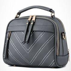 Ready stock. . Cantik banget ! #6634TCT IDR 192.000 (belum ongkir) Size 29x11x18cm ( PxLxT ) Bahan PU Leather ( High Quality ! ) Warna Black. Red. Gray. Blue Open zipper. 0800gr Ada tali panjang Shipping from Batam Order via BBM: 5D182CFF Line: tascantik_terbaru WA: 087822690288 Inbox FB Tascantik Terbaru BCA. MANDIRI. BRI JNE &TIKI Tidak ada sistem keep pay first get first. Happy shopping ladies #tasimportmurah #tasbatammurah #tasimportbatammurah #tasfashionmurahbanget #taskoreamurah…