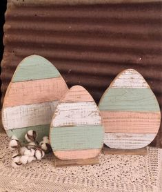 Rustic Farmhouse Distressed Wood Egg Set of 3 or Single Easter Porch Decor Rusti. Rustic Farmhouse Distressed Wood Egg Set of 3 or Single Easter Porch Decor Rustic Holiday Decor Rustic Easter Egg Easter. Diy Spring, Spring Crafts, Spring Door, Easter Projects, Easter Crafts, Easter Ideas, Oster Dekor, Diy Osterschmuck, Easy Diy
