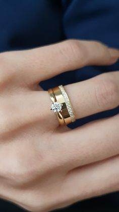 Wedding Ring Gold, Classic Wedding Rings, Wedding Ring Bands, Gold Ring Designs, Gold Earrings Designs, Gold Jewellery Design, Couple Ring Design, Plain Gold Bangles, Rose Gold Promise Ring