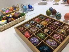 Ikuko sekine shares pictures of many different pysanky from 'The Tokyo Pysanky Exhibition' 22 different artists participated.