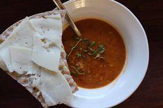 Godaste linssoppan | Fridas Food Vegan Recipes, Cooking Recipes, Vegan Food, Lentil Soup Recipes, Date Dinner, Lentils, Curry, Veggies, Snacks