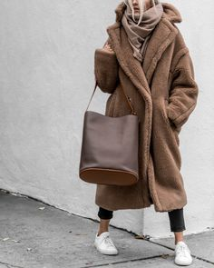 The holidays might be over, but don't forget that we still have at least 12 weeks of winter ahead of us, which means now's the time to grab that coat you've been dreaming about. Tap the link in our bio for the 7 we have our eyes on. Club Outfits, Mode Outfits, Winter Outfits, Fashion Outfits, Fashion Coat, Fashion Clothes, Fashion Fashion, Fashion Ideas, Casual Outfits