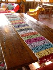 Love this idea for a table runner Crochet Table Topper, Crochet Table Runner Pattern, Crochet Mandala Pattern, Crochet Squares, Crochet Patterns, Crochet Buttons, Crochet Doilies, Crochet Crafts, Crochet Projects