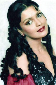 Indian Film Actress, Old Actress, Beautiful Indian Actress, Indian Actresses, Beautiful Ladies, Bollywood Makeup, Bollywood Actors, Vintage Bollywood, Indian Bollywood
