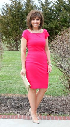 Cyndi Spivey is the creator of Grace and Beauty, a Christian fashion blog. The 49-year old wife of a pastor, loves to blog about faith and fashion, all while spreading the deeper message that true beauty begins on the inside. Here is my interview with this Fabulous After 40 Styleblazer.