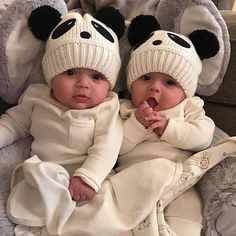 "3,439 Likes, 17 Comments - YASAL ANNE BEBEK SAYFASIDIR (@annebebek.comm) on Instagram: ""@Regrann from @official_twinmom - These hats are another level of cuteness  @jaclyn.alexa #twins…"""