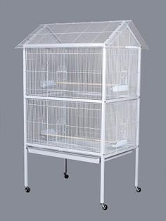 Flight Aviary Bird Cage Prevue Pet Products - Great for small birds, this cage is constructed with wire spacing to house all breeds. Offers two large front doors, side opening cup doors and two perches, on easy rolling casters. Parrot Pet, Parrot Toys, Best Pet Birds, Flight Cage, Bird House Kits, Bird Aviary, How To Attract Birds, Budgies, Parrots