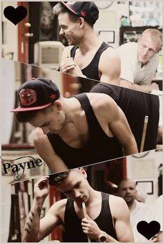 WHy do you do this to me :o I can't cope with his perfection <3 __<3