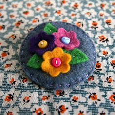 Make a felt flower brooch