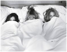 Visual Xanax: Super Model Super Sleepover - BlackBook MagazineDaria Werbowy, Kate Moss, and Lara Stone photographed by Bruce Weber for W, July 2008