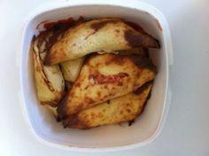 Estas empanadillas Dukan llegaron a la ofi un día de manos de mi compañero Meji y aquí está la receta: Ponemos en un bol unos 300gr de tofu, una clara, una cucharada de avena molida, una cucharada de... Empanadas, Tofu, Relleno, Salmon, French Toast, Breakfast, Salads, Recipes, Gluten Free Recipes