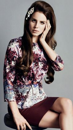 H&M blouse with floral print, Lana del Rey campaign. 15€