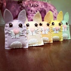 Bugs and Fishes by Lupin: Guest Post: Felt Spring Bunnies Tutorial
