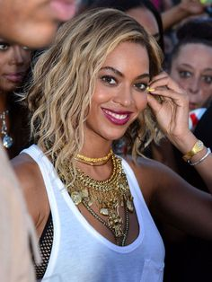 "Just weeks after she shocked the world with her dramatic crop, hair pioneer Beyoncé shows off an asymmetrical bob. ""One of the sides is about a quarter-inch longer than the other,"" says celebrity hairstylist Larry Sims. ""Whatever side you keep longer, make sure to part on the opposite side so the heaviness of the fringe flows to the longer side."""