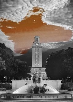 These grey skies can't hide our Texas pride! Hook 'em horns! #kendrascott #teamKS