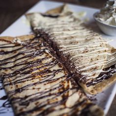 #cacao70 Black & White Crêpe. Crepes, Whipped Cream, White Chocolate, Cocoa, Brunch, Rolls, Pork, Black And White, Sweet