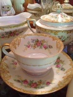 Noritake China  N42.  I'm looking for 2 more cups:)