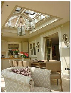 Awesome Roof Lantern Extension Ideas - The Urban Interior Orangery Roof, Kitchen Orangery, Conservatory Dining Room, Orangery Extension Kitchen, Conservatory Roof, Conservatory Lighting, Garden Room Extensions, House Extensions, Kitchen Extensions